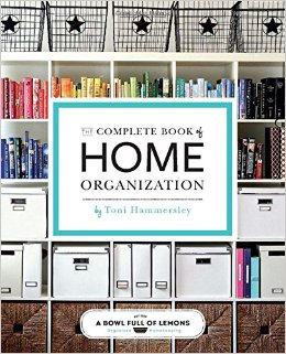 Finding the perfect gift for the aspiring Home Organizer is no easy feat sometimes, especially if you feel disorganized yourself. This list of the best organization gift ideas is sure to please and will making shopping so much easier. Check out the link for the full list.